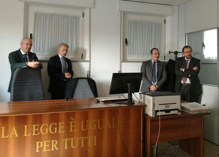Nuovo Ufficio Giudice Di Pace : Camerino riaperto nella nuova sede lufficio del giudice pace