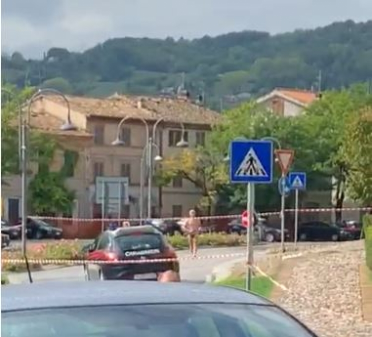 Tolentino, si barrica in casa armato - VIDEO ALL'INTERNO