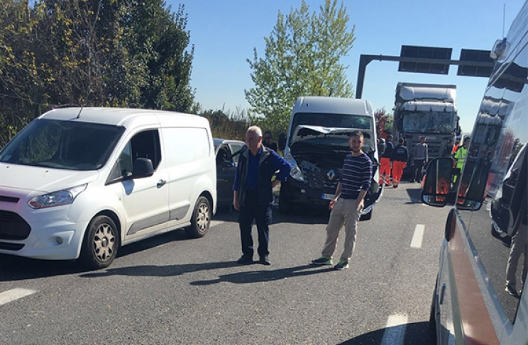 Maxi incidente in superstrada. Diversi feriti e traffico bloccato