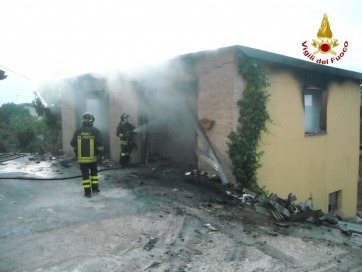 Incendio garage a Sarnano.