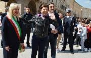 De Micheli incontra gli studenti dell'itts Divini e il sindaco di San Severino